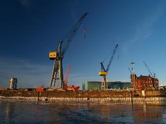 Löschkran im Kontainerhafen