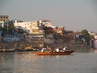 Touristenboot am Ganges